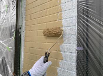 外壁中塗り中