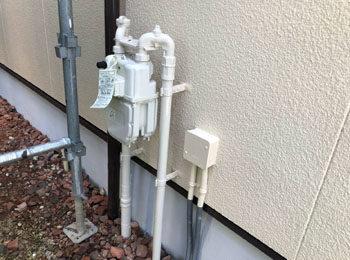 付帯部施工後(水切り、ガスパイプ)