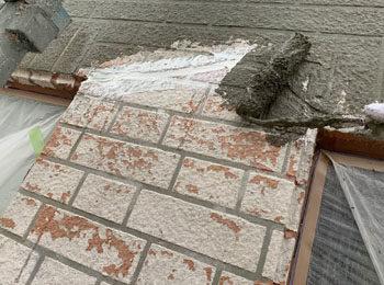 外壁修繕 樹脂モルタル塗装中