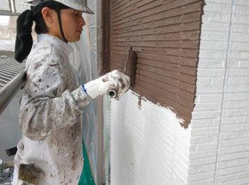 外壁 中塗り中