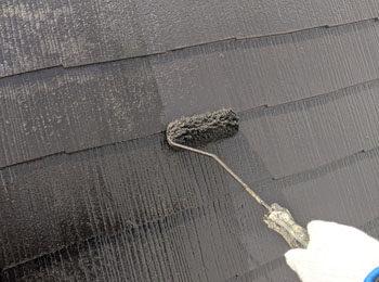 屋根 上塗り中