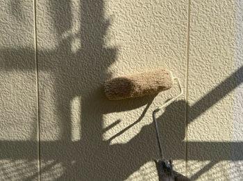外壁 上塗り中