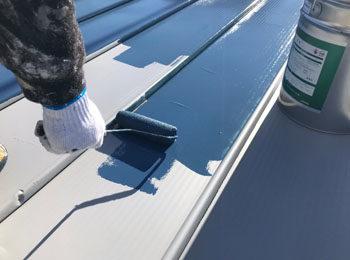屋根 中塗り中