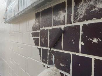 外壁タイル調部分 中塗り