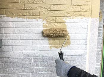 外壁 中塗り・上塗り中